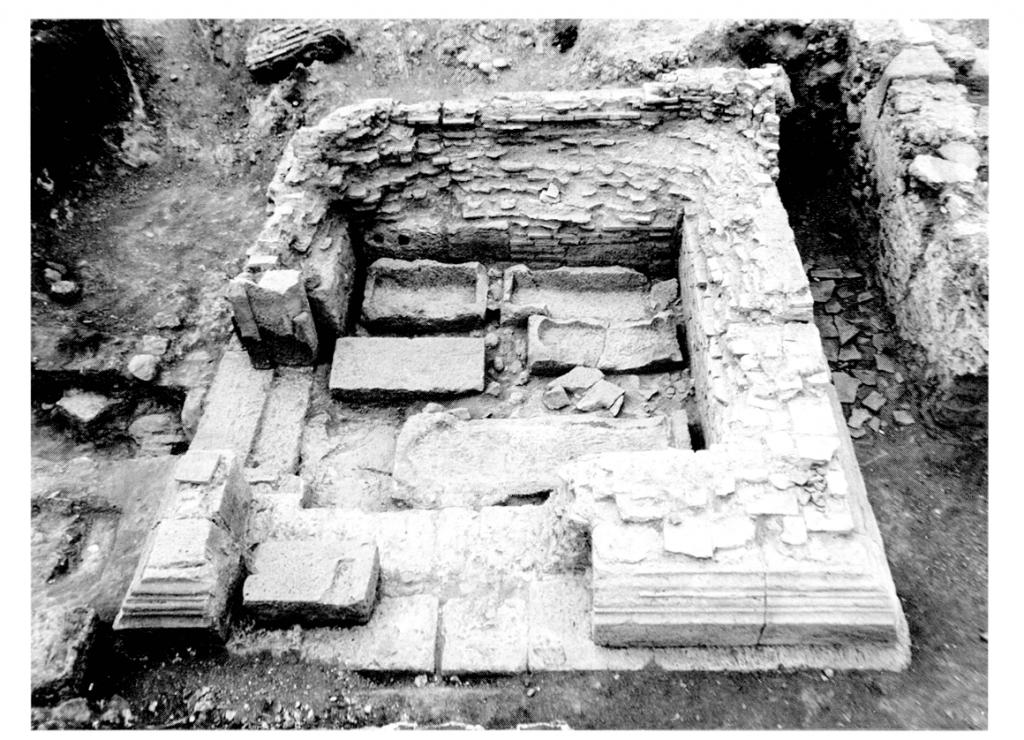 Vue d'ensemble du mausolée A
